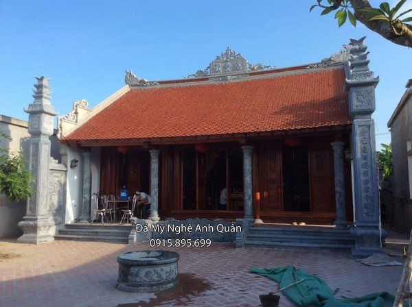 Lắp đặt cột đồng trụ đá khối cho nhà thờ họ tại Thái Bình