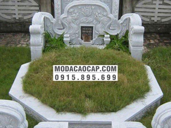 Mẫu mộ tổ 4