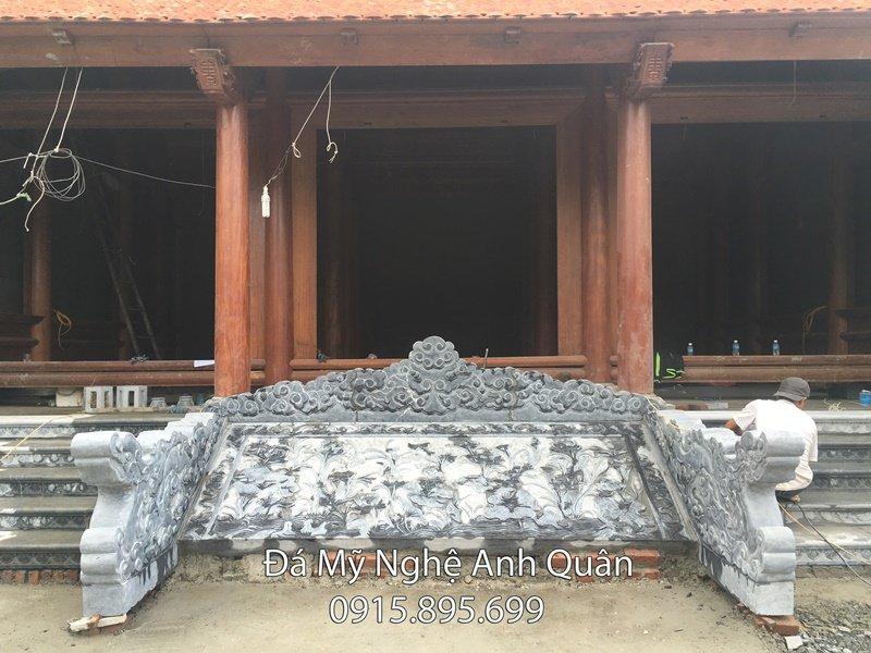 Chieu da - rong da, bậc thềm đá