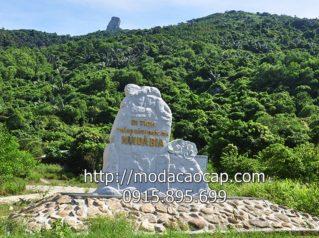 Bia đá tự nhiên xanh nguyên khối