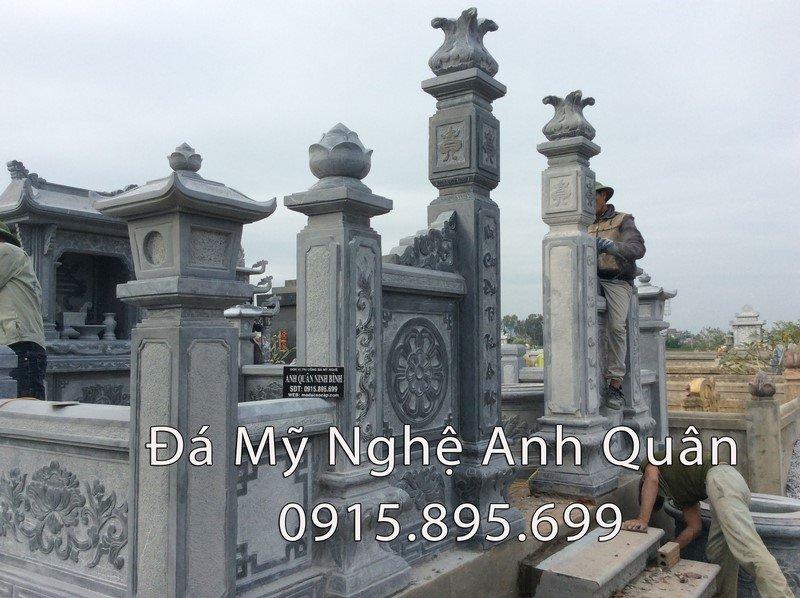 Cột đá khu mộ
