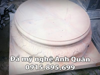 Chân cột đá tại Nam Định