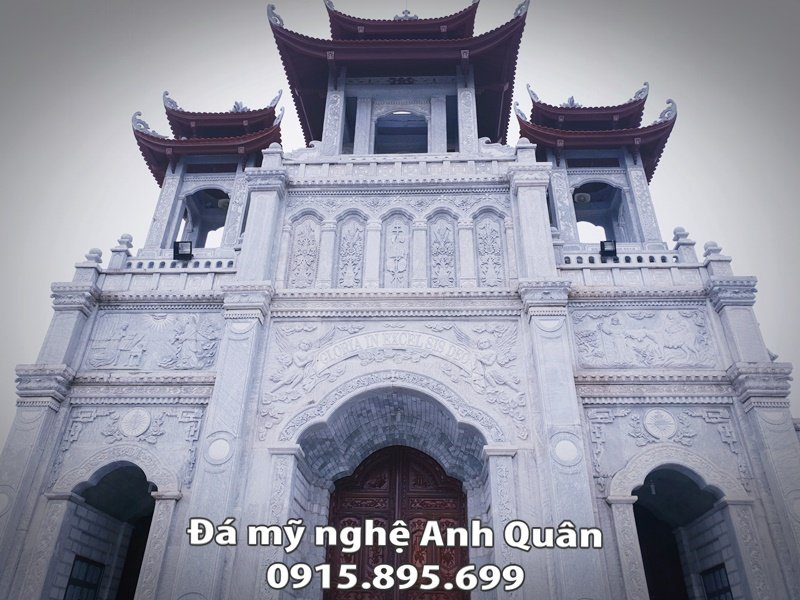 Cong Tam Quan cua Nha tho giao Tay My