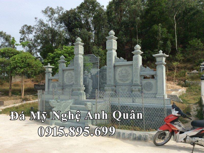 Cổng Đá Xanh rêu của Lăng mộ đá đẹp