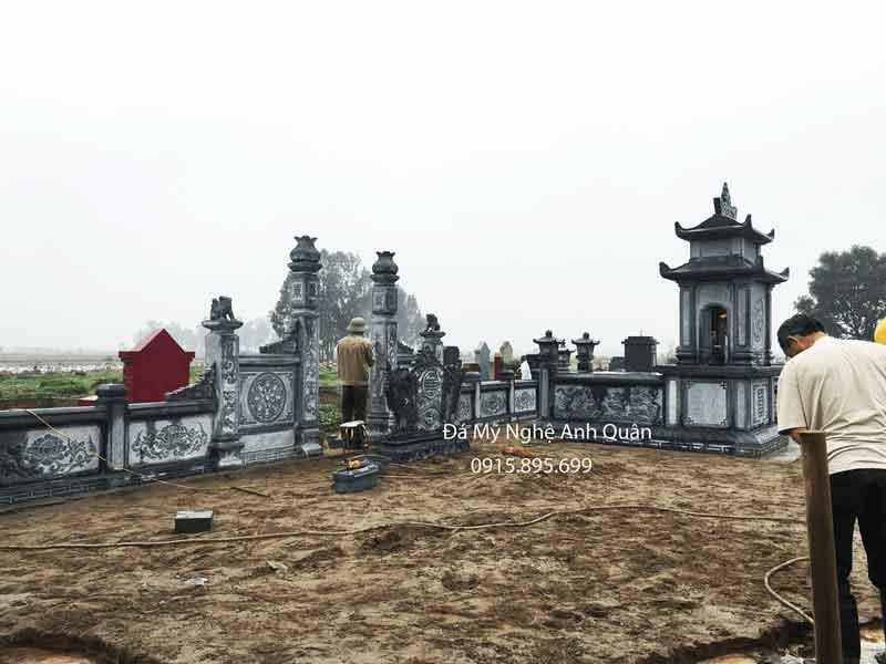 Xây mộ đá xanh rêu đẹp hai mái tại Ninh Bình