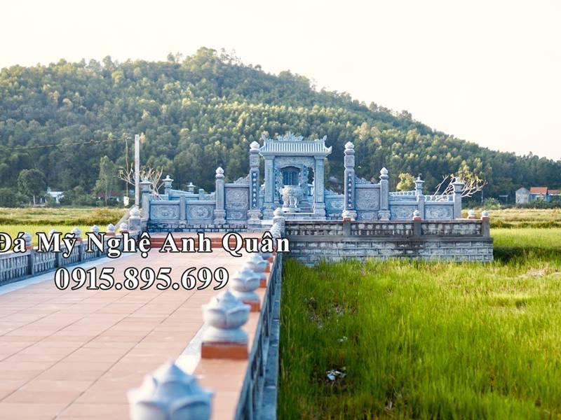 Duong vao khu lang mo da tai Quang Nam