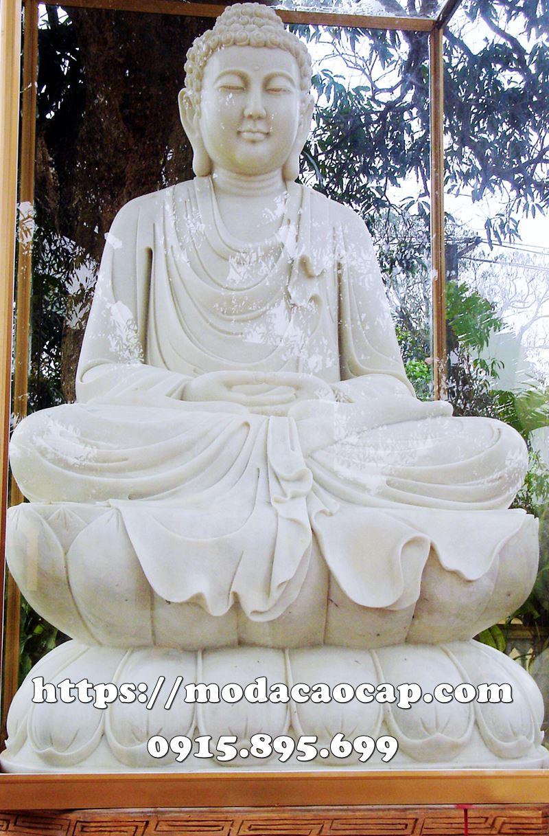Tuong Phat To Nhu Lai ngoi thien tren Dai SEN