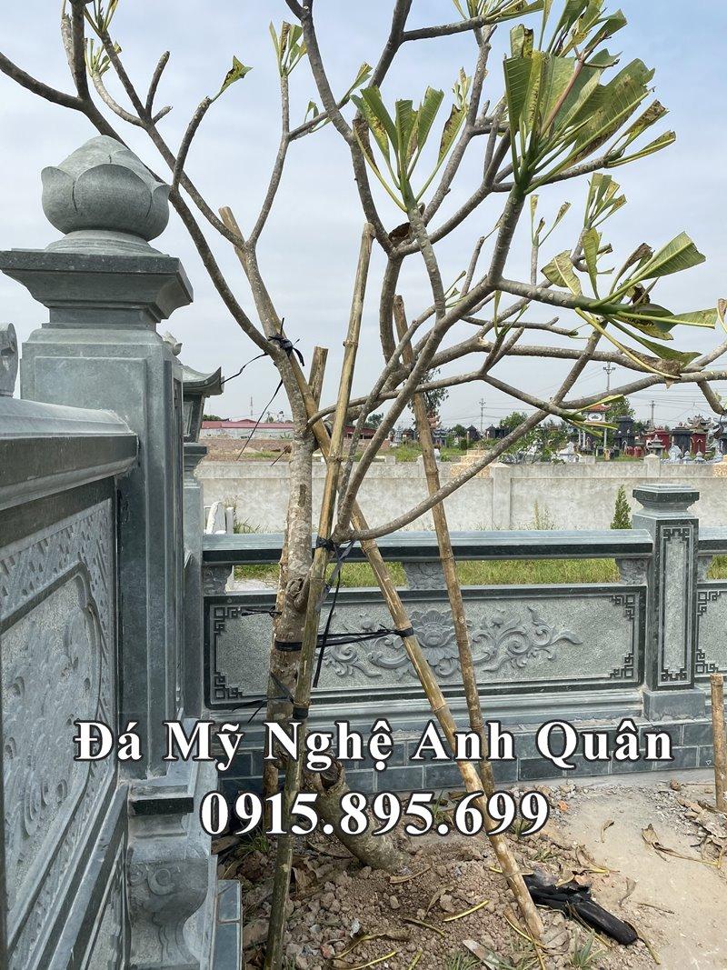 Khuon vien ben trong Lang mo duoc trong cay Hoa dai