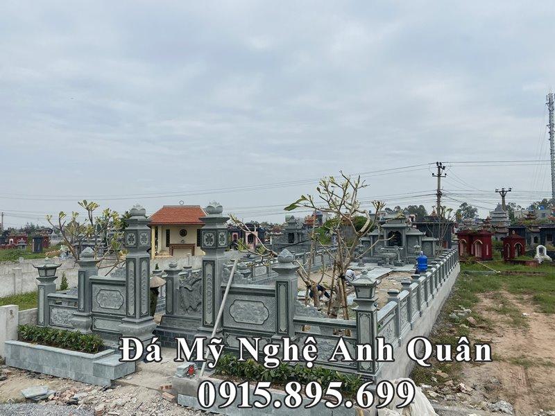 Toàn cảnh công trình Xây dựng Lăng mộ đá đẹp bằng Đá xanh rêu granite nguyên khối, cao cấp tại tỉnh Thái Bình năm 2020 của Đá mỹ nghệ Anh Quân.