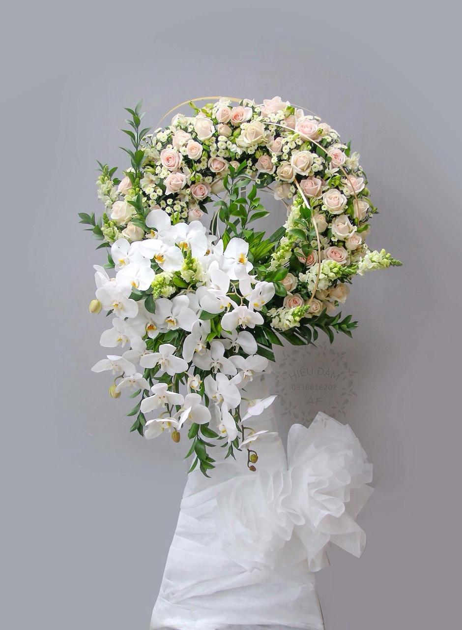 Hoa tang lễ có vai trò đặc biệt trong đám tang