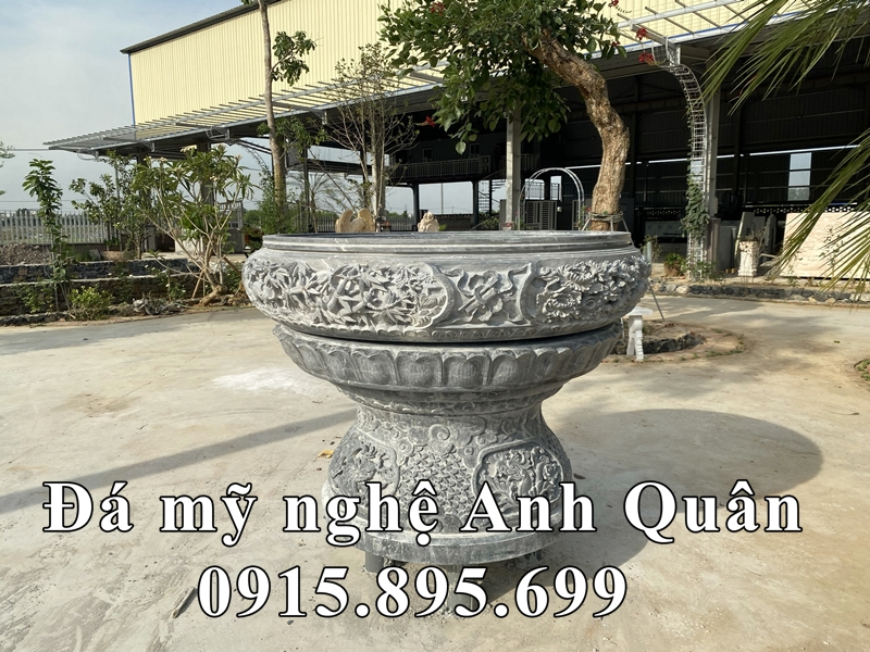 Hoa van sac net tram khac tren Chau Canh da hinh tron dep Anh Quan